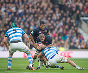 Twickenham, United Kingdom. Chris ROBSHAW, supported by Mako VUNIPOLA, attempting to break through the gap of {L} Matias ALEMANNO and Javier ORTEGA SESIO, during the Old Mutual Wealth Series Rest Match: England vs Argentina, at the RFU Stadium, Twickenham, England, <br /> <br /> Saturday  26/11/2016<br /> <br /> [Mandatory Credit; Peter Spurrier/Intersport-images]