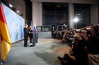 16 JAN 2009, BERLIN/GERMANY:<br /> Wladimir Putin (L), Ministerpraesident Russland, und Angela Merkel (R), Bundeskanzlerin, Pressekonferenz, Bundeskanzleramt<br /> IMAGE: 20090116-01-031<br /> KEYWORDS: Vladimir Putin, Fotografen, Kamera, Camera, Übersicht, Uebersicht