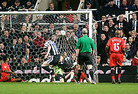 Photo. Glyn Thomas, Digitalsport<br /> Newcastle United v Fulham. FA Barclaycard Premiership. <br /> St James's Park, Newcastle. 19/01/2004.<br /> Newcastle's Andy O'Brien (L) puts his side in front in the first few minutes of play.