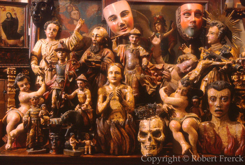 MEXICO, MEXICO CITY, SHOPPING 'Colonial Art' antique shop in the Zona Rosa specializes in paintings and wood carvings of the colonial period