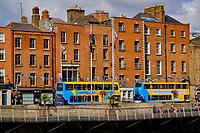 République d'Irlande, Dublin, habitatiojns le long du fleuve Liffey// Republic of Ireland; Dublin, Houses on the Liffey river
