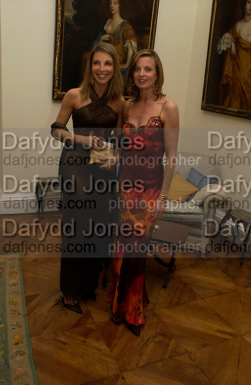 Barbara von Bismark and  Countess del Balzo di Presenzano. An Evening in honour of Salvatore Ferragamo hosted by the Ambassador of Italy. The Italian Embassy, 4 Grosvenor Square. London W1. 8 June 2005. ONE TIME USE ONLY - DO NOT ARCHIVE  © Copyright Photograph by Dafydd Jones 66 Stockwell Park Rd. London SW9 0DA Tel 020 7733 0108 www.dafjones.com