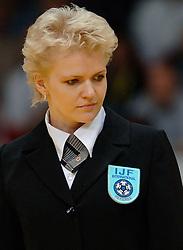 26-05-2006 JUDO: EUROPEES KAMPIOENSCHAP: TAMPERE FINLAND<br /> Referee , scheidsrechter , judo item<br /> ©2006-WWW.FOTOHOOGENDOORN.NL