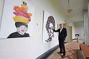 De succesvolle expositie 'Beeld van Beatrix' is vanaf 12 juli 2013 te zien bij Paleis Soestdijk. De 68 bijzondere werken waren voorheen bij Paleis Het Loo tentoongesteld ter gelegenheid van de 75ste verjaardag van koningin Beatrix<br /> <br /> The successful exhibition 'Image of Beatrix' is from July 12, 2013 on display at the Royal Palace Soestdijk The 68 special works were previously exhibited at  Palace Het Loo on the occasion of the 75th birthday of Queen Beatrix<br /> <br /> Op de foto / On the photo:  Jan Altenburg directeur van Paleis Soestdijk