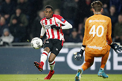 (L-R) Joshua Brenet of PSV, goalkeeper Mike Hauptmeijer of PEC Zwolle 4-0 during the Dutch Eredivisie match between PSV Eindhoven and PEC Zwolle at the Phillips stadium on February 03, 2018 in Eindhoven, The Netherlands