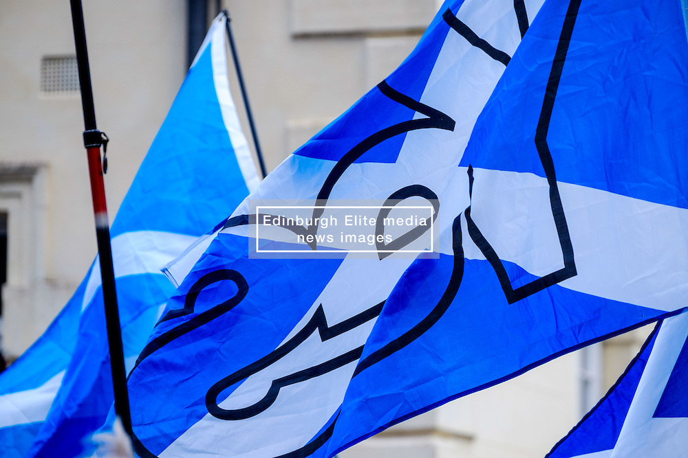 Lanark, Scotland, UK 20th August 2016   A march and ceremony to commemorate the death of Scottish Hero William Wallace (23rd August 1302) held on Saturday 20th August 2016.  Wallace has strong connections with the town of Lanark.  YES Saltire flags flying at the evnt.<br /> <br /> (c) Andrew Wilson   Edinburgh Elite media