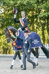 , Warendorf - Bundeschampionate 31.08 - 04.09.2005, San Rubin - Möller, Ulf Dr. - 1. Platz -5j. Dressurpferde - Championatssieger楴