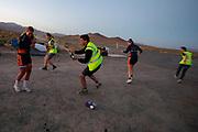 De Velox tijdens de zesde en laatste racedag in Battle Mountain. Het Human Power Team Delft en Amsterdam, dat bestaat uit studenten van de TU Delft en de VU Amsterdam, is in Amerika om tijdens de World Human Powered Speed Challenge in Nevada een poging te doen het wereldrecord snelfietsen voor vrouwen te verbreken met de VeloX 8, een gestroomlijnde ligfiets. Het record is met 121,81 km/h sinds 2010 in handen van de Francaise Barbara Buatois. De Canadees Todd Reichert is de snelste man met 144,17 km/h sinds 2016.<br /> <br /> With the VeloX 8, a special recumbent bike, the Human Power Team Delft and Amsterdam, consisting of students of the TU Delft and the VU Amsterdam, wants to set a new woman's world record cycling in September at the World Human Powered Speed Challenge in Nevada. The current speed record is 121,81 km/h, set in 2010 by Barbara Buatois. The fastest man is Todd Reichert with 144,17 km/h.