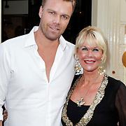 NLD/Amsterdam/20120706 - Verjaardagsfeest Gordon, Sheila de Vries en zoon Gideon
