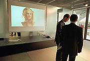 Duitsland, Hannover expo 2000, mei 2000.Video-projectie bij uitgeverij BertelsmannFoto: Flip Franssen/Hollandse Hoogte