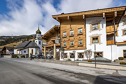 22.03.2020, Gerlos, AUT, Coronavirus in Österreich, Zillertaler Apres Ski Gäste sollen sich melden, dass Land Tirol bittet in einem dringenden Aufruf alle, die von 8. bis 15. März Bars und Apres-Ski-Lokale im Zillertal besucht haben, sich zu melden. Neun Lokale sind betroffen, außerdem zwei Hotels und eine Pension, im Bild Hotel Gaspingerhof zur Post // Hotel Gaspingerhof zur Post. Zillertal apres-ski guests are to report that the province of Tyrol is urgently calling on everyone who visited bars and apres-ski venues in the Zillertal from 8 to 15 March to report. Nine bars and restaurants are affected, as well as two hotels and a guesthouse, the Austrian government is pursuing aggressive measures in an effort to slow the ongoing spread of the coronavirus. Gerlos, Austria on 2020/03/22. EXPA Pictures © 2020, PhotoCredit: EXPA/ Johann Groder