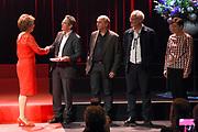 Prinses Margriet en Prinses Laurentien bij uitreiking ECF Princess Margriet Award for Culture 2017 in Paradiso, Amsterdam. ECF zet zich in voor cultuur in Europa. <br /> <br /> Princess Margriet and Princess Laurentien at the ECF Princess Margriet Award for Culture 2017 in Paradiso, Amsterdam. ECF is committed to culture in Europe.<br /> <br /> Op de foto / On the photo: Prinses Margriet  met vier laureaten met de ECF Princess Margriet Award for Culture 2017:  musicus Luc Mishalle (Brussel), beeldend kunstenaar Marina Naprushkina (Berlijn), schrijfster en journaliste Aslı Erdoğan (Istanbul) en schrijver en wetenschapper Navid Kermani (Keulen).