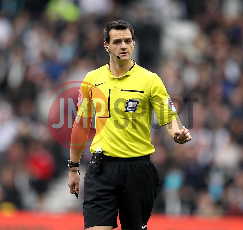 Referee Andrew Madley - Mandatory byline: Robbie Stephenson/JMP - 07966 386802 - 18/10/2015 - FOOTBALL - iPro Stadium - Derby, England - Derby County v Wolverhampton Wanderers - Sky Bet Championship