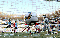 Fotball<br /> VM 2010<br /> 17.06.2010<br /> Argentina v Sør Korea<br /> Foto: Witters/Digitalsport<br /> NORWAY ONLY<br /> <br /> 1:0 Eigentor durch Park Chu-Young (Suedkorea), Torwart Jung Sung-Ryong<br /> Fussball WM 2010 in Suedafrika, Vorrunde, Argentinien - Suedkorea