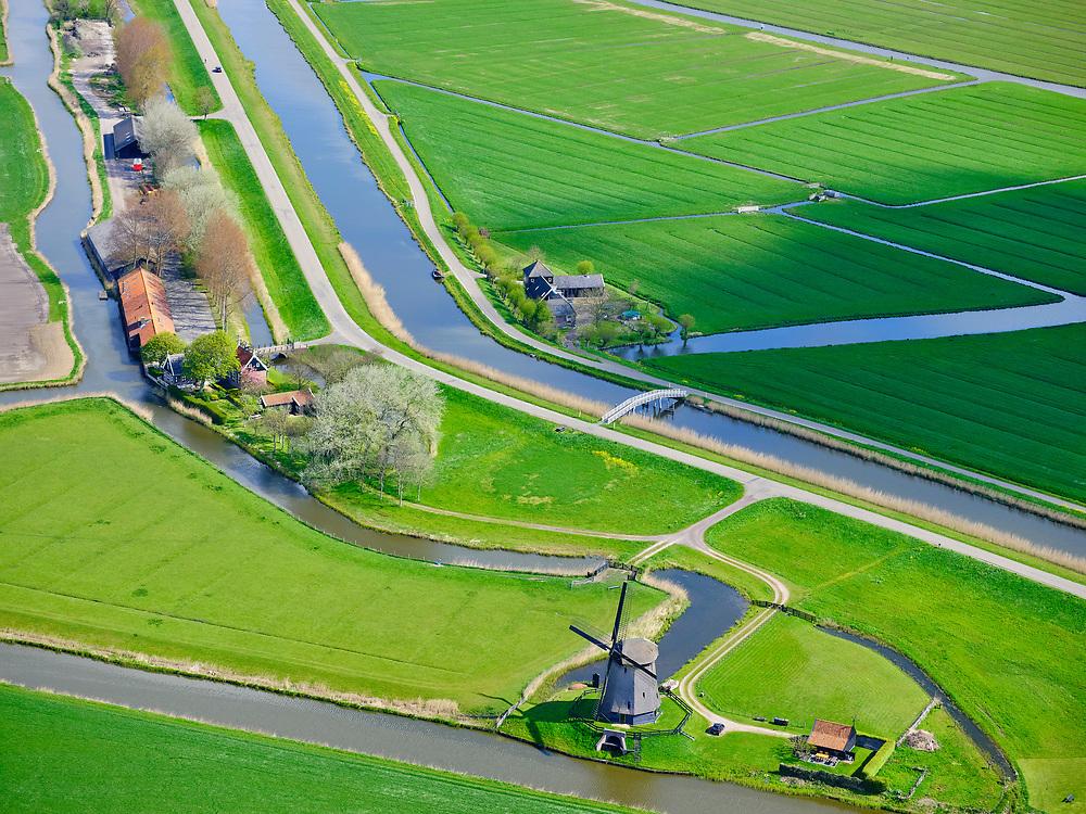 Nederland, Noord-Holland, gemeente Alkmaar; 07-05-2021; Schermer Polder C, met het Noorder Polderhuis, waterschapshuis van de voormalige waterschap Schermeer. <br /> Schermer Polder C, with the Noorder Polderhuis, water board house of the former Schermeer water board.<br /> luchtfoto (toeslag op standaard tarieven);<br /> aerial photo (additional fee required)<br /> copyright © 2021 foto/photo Siebe Swart