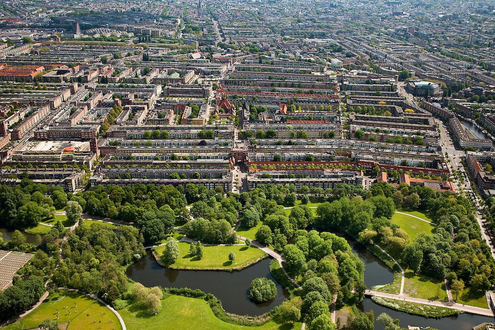 Nederland, Amsterdam, Amsterdam-West, 25-05-2010. Rembrandt park met Hoofdorppleinbuurt en De Baarsjes (Bos en Lommer, Oud-West). .Western part of the city..luchtfoto (toeslag), aerial photo (additional fee required).foto/photo Siebe Swart