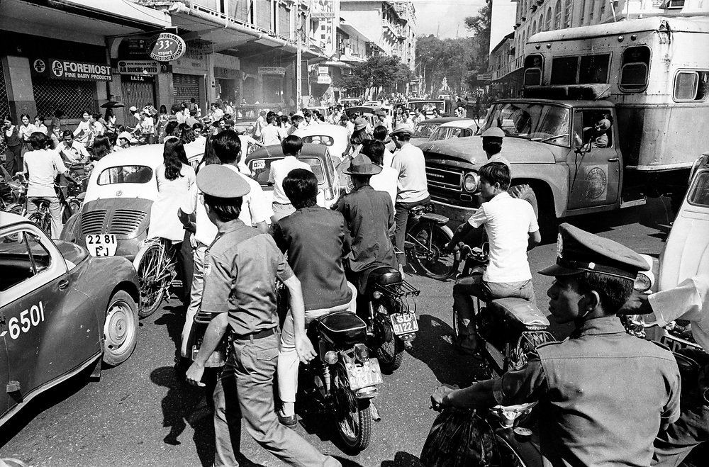 Panic on the streets of Saigon, Vietnam in the days running up to the Fall of Saigon to the North Vietnamese. April 1975.Photographed by Terry Fincher