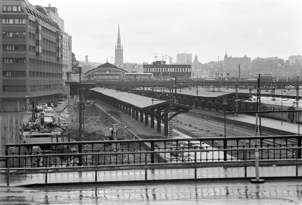 Stockholms Central, norra säcken (spår norrut) innan den överdäckades med Cityterminalen sedd från gamla Kungsbron