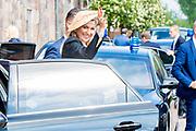 """Werkbezoek van  Koning Willem Alexander en  Koningin Maxima aan de Duitse deelstaten<br /> Mecklenburg-Voor-Pommeren en Brandenburg.<br /> <br /> Working visit by King Willem Alexander and Queen Maxima to the German states of Mecklenburg-Western Pomerania and Brandenburg.<br /> <br /> Op de foto / On the photo: Bijeenkomst 'Vitaal platteland in Mecklenburg-Voor-Pommeren, Brandenburg en Nederland' Feldsteinscheune, Bollewick met een demonstratie van een mobiel EHBO-team // Meeting """"Vital countryside in Mecklenburg-Western Pomerania, Brandenburg and the Netherlands"""" Feldsteinscheune, Bollewick with a demonstration of a mobile first aid team"""