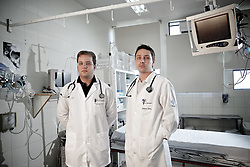 Dr. Rafael Kwiatkowski e Cristiano Giovenardi que trabalharam como voluntários na tragédia de Santa Maria onde morreram mais de 230 pessoas no incêndio da Boate Kiss. FOTO: Jefferson Bernardes/Preview.com
