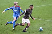 Fussball: 2. Bundesliga, FC St. Pauli - Holstein Kiel, Hamburg, 09.01.2021<br /> Daniel-Kofi Kyereh (Pauli ,r.)<br /> © Torsten Helmke