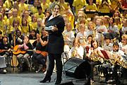 Het eindconcert van Kinderen Maken Muziek in de Heineken Music Hall. De ruim 3000 kinderen die de afgelopen tijd overal in het land muziekgroepen vormden, traden gezamenlijk op. ///// The final concert of Children Making Music in the Heineken Music Hall. The more than 3000 children who recently formed bands across the country, acted together.<br /> <br /> Op de foto / On the Photo:  Sara Kroos
