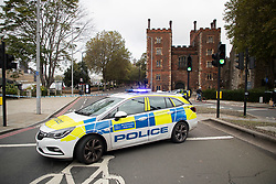 © Licensed to London News Pictures. 13/10/2020. London, UK. Police cordon off Lambeth Palace Road following a security alert at St Thomas' Hospital. Photo credit: George Cracknell Wright/LNP