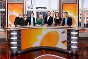 HILVERSUM, 03-09-2021 , Mediapark<br /> <br /> 20 jarig feestelijk momentje RTL Boulevard met huidige presentatoren<br /> <br /> Op de foto: Marieke Elsinga, Bridget Maasland, Vivienne van den Assem, Eddy Zoey,  Luuk Ikink, Lex Uiting en Daan Nieber