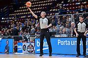 DESCRIZIONE : Beko Final Eight Coppa Italia 2016 Serie A Final8 Quarti di Finale Vanoli Cremona - Dinamo Banco di Sardegna Sassari<br /> GIOCATORE : Luigi LaMonica<br /> CATEGORIA : Arbitro Referee Before Pregame<br /> SQUADRA : AIAP<br /> EVENTO : Beko Final Eight Coppa Italia 2016<br /> GARA : Quarti di Finale Vanoli Cremona - Dinamo Banco di Sardegna Sassari<br /> DATA : 19/02/2016<br /> SPORT : Pallacanestro <br /> AUTORE : Agenzia Ciamillo-Castoria/L.Canu