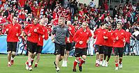 GEPA-1206086038 - FREIENBACH,SCHWEIZ,12.JUN.08 - FUSSBALL - UEFA Europameisterschaft, EURO 2008, Nationalteam Schweiz, Training. Bild zeigt die Mannschaft der Schweiz.<br />Foto: GEPA pictures/ Philipp Schalber