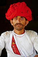 Inde, Rajasthan, village de Meda dans les environs de Jodhpur, population Rabari, Kueram, 30 ans // India, Rajasthan, Meda village around Jodhpur, Rabari ethnic group, Kueram, 30 old