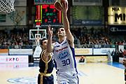 DESCRIZIONE : Cantu Lega A 2013-14 Acqua Vitasnella Cantu Sutor Montegranaro<br /> GIOCATORE : Stefano Gentile<br /> CATEGORIA : Tiro Penetrazione<br /> SQUADRA : Acqua Vitasnella Cantu<br /> EVENTO : Campionato Lega A 2013-2014<br /> GARA : Acqua Vitasnella Cantu Sutor Montegranaro<br /> DATA : 29/12/2013<br /> SPORT : Pallacanestro <br /> AUTORE : Agenzia Ciamillo-Castoria/G.Cottini<br /> Galleria : Lega Basket A 2013-2014  <br /> Fotonotizia : Cantu Lega A 2013-14 Acqua Vitasnella Cantu Sutor Montegranaro<br /> Predefinita :