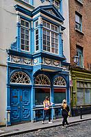 République d'Irlande, Dublin, quartier de Temple Bar, immeuble sur Anglesea Street // Republic of Ireland; Dublin, the touristic Temple Bar area, building on Anglesea Stree