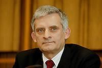 03 FEB 1998, BONN/GERMANY:<br /> Jerzy Buzek, Ministerpräsident Polen, Pressekonferenz vor der Bundespressekonferenz<br /> IMAGE: 19980203-01/01-17