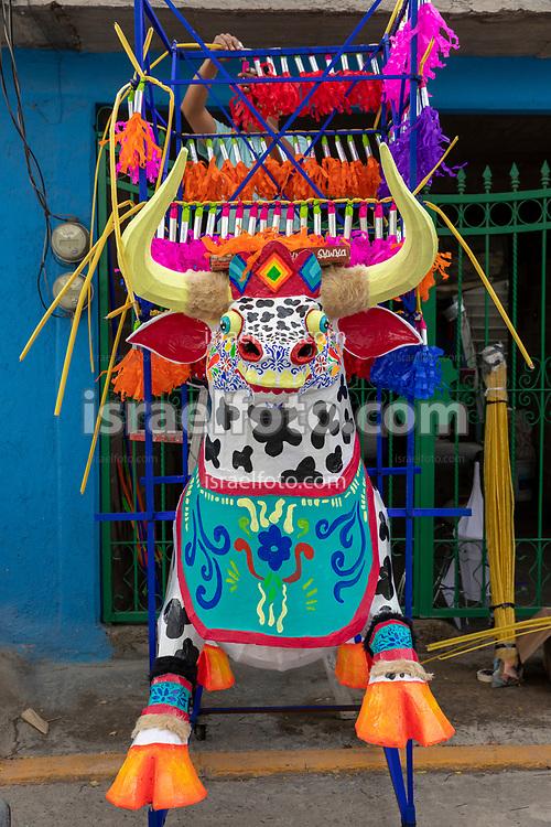 12 junio 2021, Tultepec, México. Torito  pirotécnico  tradicional para ser quemad en la fiesta de la colonia 10 de Junio de este municipio.