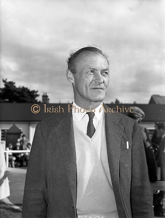 20/09/1960<br /> 09/20/1960<br /> 20 September 1960<br /> Goffs Bloodstock Sales at Ballsbridge, Dublin. At the sales was Wing Commander Timothy Ashmead Vigors of the Vigor Bloodstck Agency.