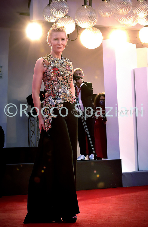 """VENICE, ITALY - SEPTEMBER 03: Cate Blanchett walks the red carpet ahead of the movie """"Amants"""" at the 77th Venice Film Festival at on September 03, 2020 in Venice, Italy."""