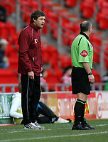 "Photo: Paul Thomas.<br /> Doncaster Rovers v Swansea City. Coca Cola League 1. 17/02/2007.<br /> <br /> ""Stand in"" of Swansea Kevin Nugent (L) has words to the lines-man."