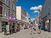 Zielona Góra (woj. lubuskie), 20.07.2013. Ulica Stefana Żeromskiego w centrum miasta.