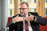 03 MAY 2021, BERLIN/GERMANY:<br /> Siegfried Russwurm, Praesident Bundesverband der Deutschen Industrie, BDI, und Aufsichtsratschef Thyssenkrupp, waehrend einem Interview, BDI, Haus der Wirtschaft<br /> IMAGE: 20210503-02-016