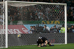 April 18, 2018 - Lisbon, Portugal - Sporting's forward Fredy Montero from Colombia (unseen) beats Porto's Spanish goalkeeper Iker Casillas during the penalty shootout in the Portugal Cup semifinal second leg football match Sporting CP vs FC Porto at the Alvalade stadium in Lisbon on April 18, 2018. (Credit Image: © Pedro Fiuza via ZUMA Wire)