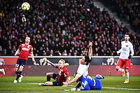 Goal Edinson CAVANI - 03.12.2014 - Lille / Paris Saint Germain - 16eme journee de Ligue 1<br />Photo : Fred Porcu / Icon Sport