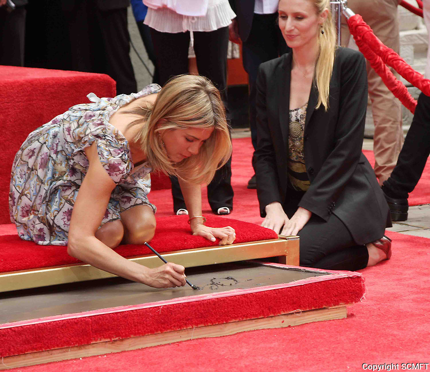 7/7/2011 Jennifer Aniston's hand/footprint ceremony at the Chinese Theater