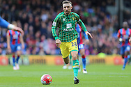 Gary O'Neil of Norwich City in action. Barclays Premier League match, Crystal Palace v Norwich city at Selhurst Park in London on Saturday 9th April 2016. pic by John Patrick Fletcher, Andrew Orchard sports photography.