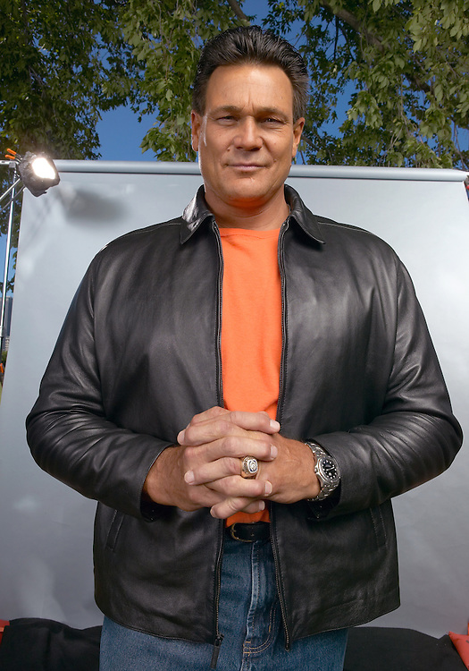Former Chicago Bear All Star Dan Hampton shows off his Super Bowl XX Ring in photo by ©Wayne Cable.