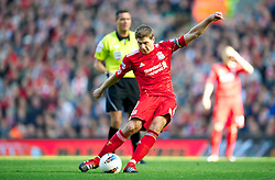 15.10.2011, Anfield, Liverpool, ENG, PL, FC Liverpool vs Manchester United, im Bild Liverpool's captain Steven Gerrard MBE scores the first goal against Manchester United during the Premiership match at Anfield // during the Premier League football match between FC Liverpool vs Manchester United at Anfield stadium, liverpool, United Kingdom on 15/10/2011. EXPA Pictures © 2011, PhotoCredit: EXPA/ Propaganda Photo/ David Rawcliff +++++ ATTENTION - OUT OF ENGLAND/GBR+++++