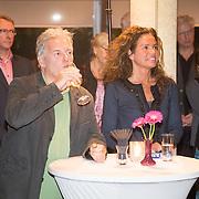"""NLD/Bloemendaal/20151124 - Boekpresentatie """"Buch"""" over het leven van Menno Buch, medeschrijver Edwin Gitsels en directeur uitgeverij"""