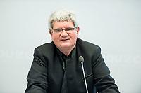 """24 APR 2017, BERLIN/GERMANY:<br /> Prof. Dr. Robert Schloegl, Direktor Max-Planck-Institut fuer Chemische Energiekonversion, 9. Energiepolitischer Dialog der CDU/CSU-Fraktion im Deutschen Bundestag """"Spannungsfeld Energiewende - Die Energiewende wirtschaftlich gestalten"""", Fraktionssitzungssaal, Deutscher Bundestag<br /> IMAGE: 20170424-01-064<br /> KEYWORDS: Prof. Dr. Robert Schlögl,"""