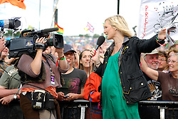 Glastonbury 2008.  BBC DJ Jo Whiley in front of the Other Stage