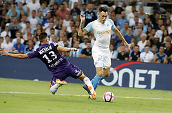 2018?8?10?.    ????????——???????????.    8?10??????????????????????????????.    ????2018-2019??????????????????????4?0??????.    ????????·????...(SP)FRNACE-PARIS-FOOTBALL-LIGUE 1-MARSEILLE VS TOULOUSE..(180810) -- MARSEILLE, Aug. 10, 2018  Lucas Ocampos (R) of Marseille vies with Clement Michelin of Toulouse during their match of French Ligue 1 2018-19 season 1st round in Marseille, France on Aug. 10, 2018. Marseille won 4-0 at home.  49738 (Credit Image: © Fabien Galau/Xinhua via ZUMA Wire)
